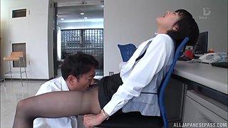 Brunette Ona Moe wants to ride a big cock on the floor