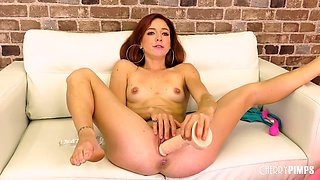 Flexible Redhead Pleases Her Pussy With Toys In Live