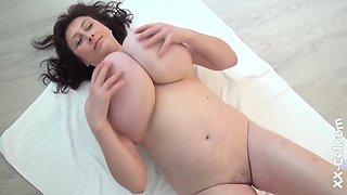 Busty Mom Ivana - Oiled Tits - Ivana Gita
