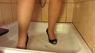 pissing in nylon tights, fat milf in high heels, big tits