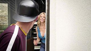Brazzers - Real Wife Stories - Odd Jobs scene
