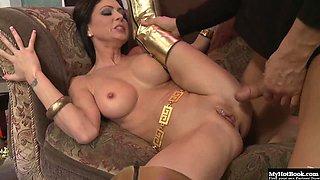 Brunette with big boobs, Jayden Jaymes, has her metallic kind removed