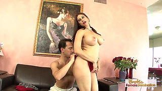 Mature housewife comes to her husband's friend for a hard fu