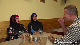 Muslim woman spread her legs for id&#039s