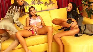 Glamour euro ladies love lesbians fun when they meet up