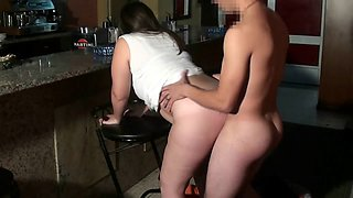 Plump lady ris Dar enjoys rough and steamy doggystyle shagging
