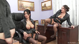 Anissa Kate in a wonderful all-girls threesome including pissing