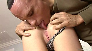 Blonde babe with big tits is oiled and shaved pussy thrilled cowgirl style