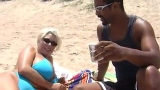Cheating Southern Wife Takes BBC Cream Pie
