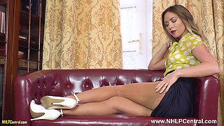 Gorgeous blonde Natalia Forrest fingers tight pussy in retro girdle nylons heels