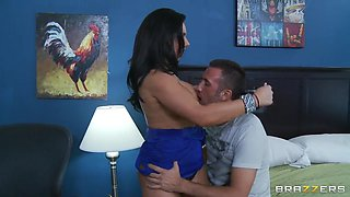 Sexy Bella Reese feels extremely well on huge cock!