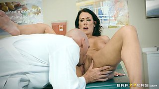 Big tits Reagan in jeans missionary drilled by doctor