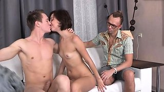 Savory liona bee gets beaver licked