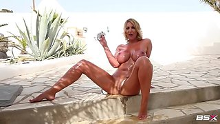 leigh darby oiled