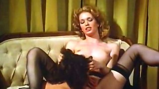 Blonde hoe shows her blowjob and pussy-eating skills in FFM clip