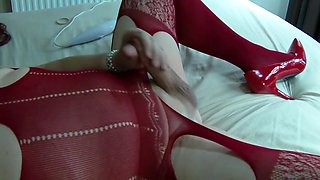 Mature tvrose crossdresser close up cum with hitachi