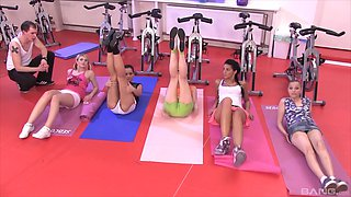 Kelly Candy and Alyssia Loop join horny chicks to ravish a luck guy