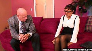 secretary make her boss cum with her feet
