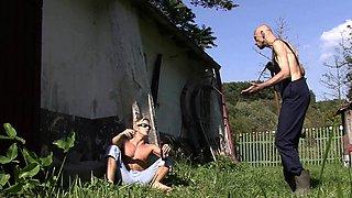 Oldman pleases son's gf outdoors