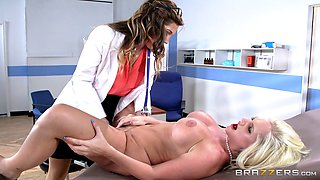 Brunette lesbian doctor licks a blonde patient's pussy in the hospital