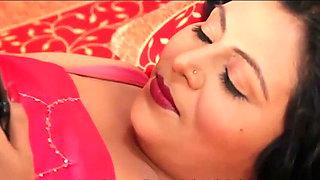 VIdeo Calling Ke Bahane Desi Aunty Ke Sath Sex Padosi ne