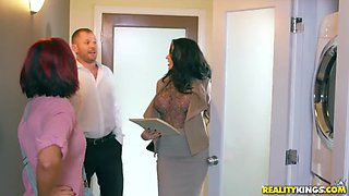 Slutty real estate agent fucks the married buyer