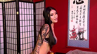 Gorgeous Asian masseuse Brenna Sparks is serving her favorite client