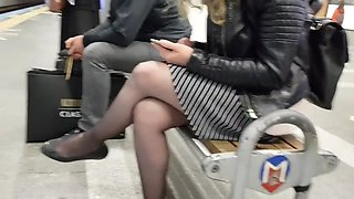 Touching black pantyhose in metro(She noticed)