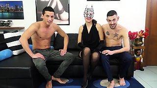 CASTING ALLA ITALIANA - Italian mature fucked in threesome