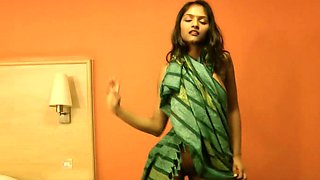 Indian doll playus naughty on cam