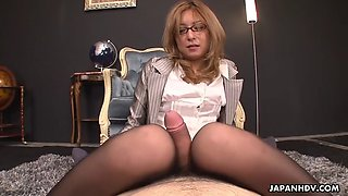 dutiful secretary nao pleases bosses with her feet