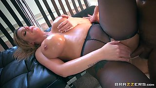 brooklyn chase opened up her asshole for the anal pounding