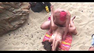 AmateursSex on the Beach