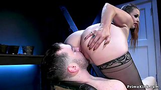 Huge ass mistress licked in face sitting