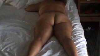 Bedroom hidden cam unaware milf early morning