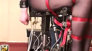woman chairtied and fuking machine