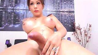 teen misstresciara flashing boobs on live webcam
