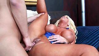 Alura Jenson & Seth Gamble in My Friends Hot Mom