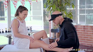 basketball babe gives a handjob as thanks for the massage