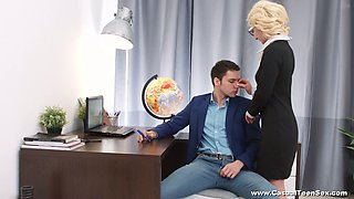 Bald pussy of alluring blonde secretary Kastiel Cherry is fucked on the table