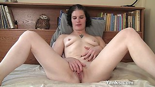 Yanks MILF Sunshine's Ecstacy Masturbation Fun