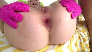 nice blonde samantha rone gets her hot ass invaded by a massive penis