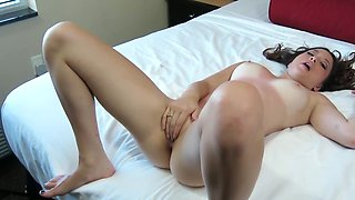 Beatiful young brunette enjoys hardcore oral sex