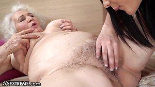 Hot 18yo Babe Fantasises To Fuck A Granny At The Hotel