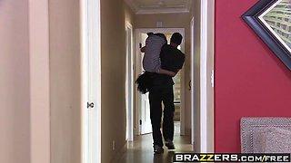 brazzers - teens like it big -  como se dice big dick scene