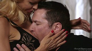 Depraved US Alexis Fawx is awesome housewife gets rewarded by hubby with hot sex
