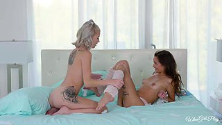 Arya Fae and her horny friend finally get to masturbate together