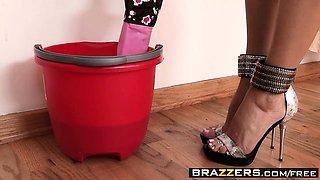 Brazzers - Mommy Got Boobs - Sarah Jessie Xan