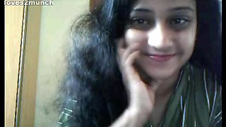 Pretty 35yo Hairy Busty Desi Aunty Cums on Cam