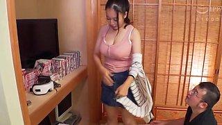 POV video of busty wife Tsukada Shiori giving an amazing titjob